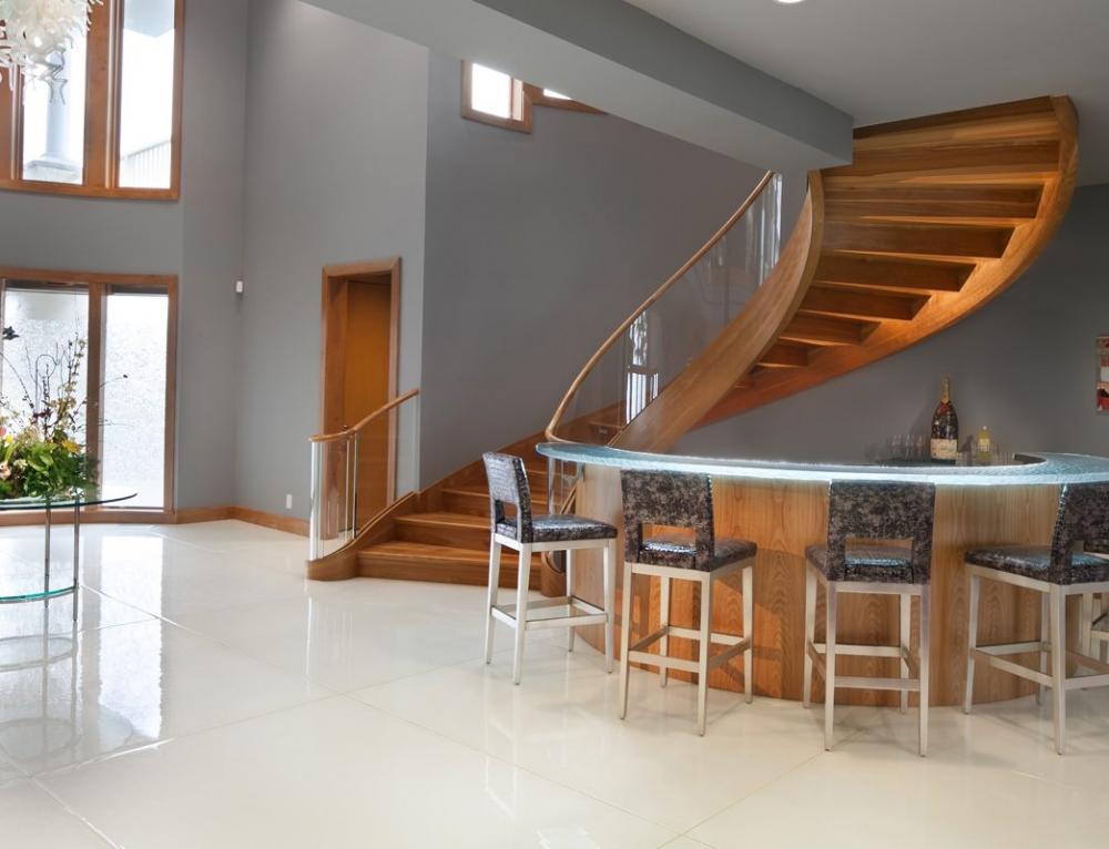 White Metallic Glass Flooring